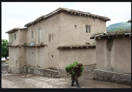 بررسی و شناخت بافت تاریخی روستای ساسنگ مینودشت